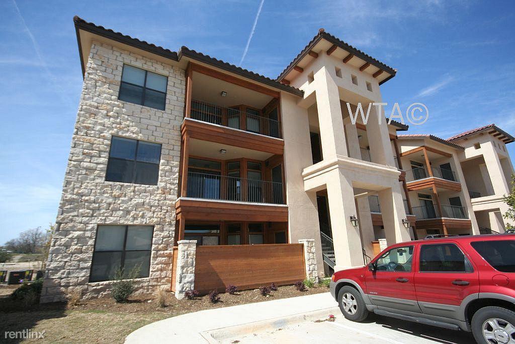 105 N Austin Ave, Georgetown, TX - $1,820