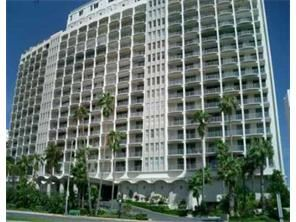 5401 Collins Ave - 1900USD / month