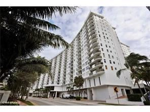 6039 Collins Ave - 2100USD / month