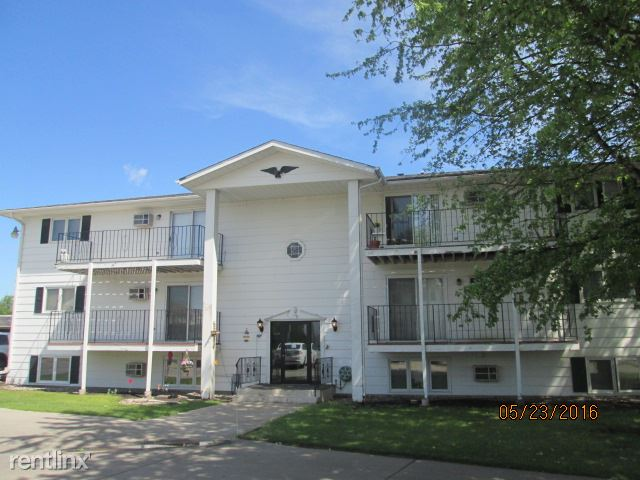 2904 S 17th St, Grand Forks, ND - 595 USD/ month