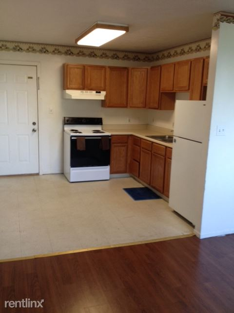 100 W Ridge Ave, Sharpsville, PA - $559