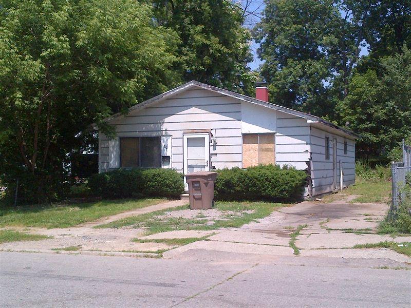 80 Moreland Ave, Pontiac, MI - $785