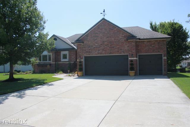 307 Lakewood Dr, North Newton, KS - $1,950