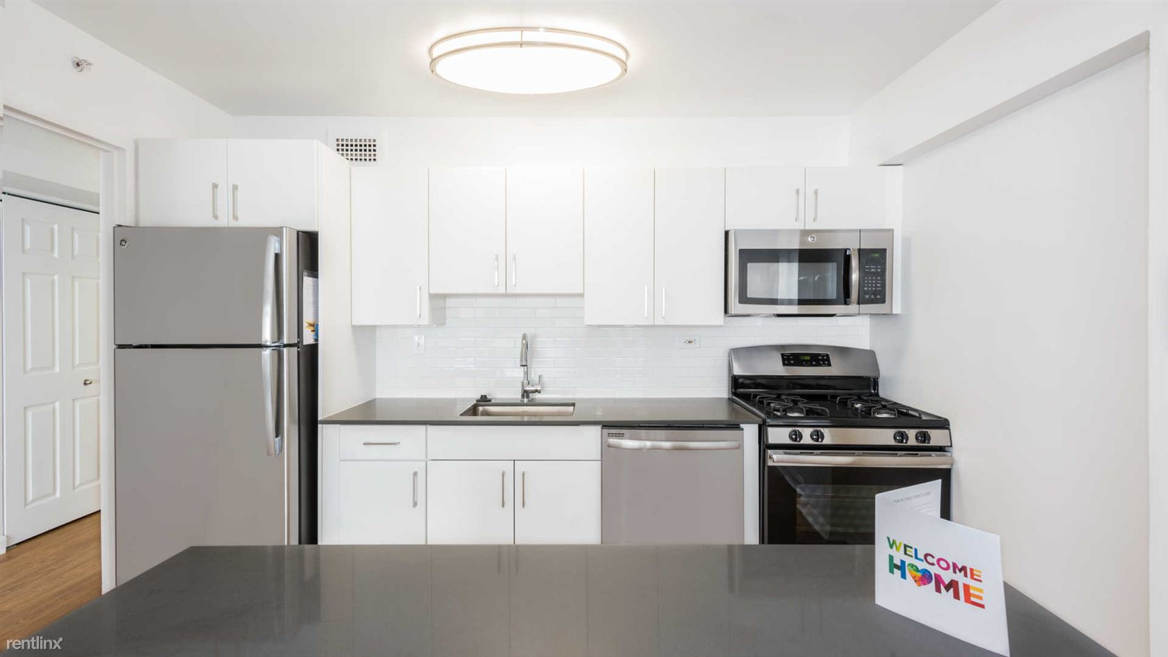 100 Blossom St - 2500USD / month
