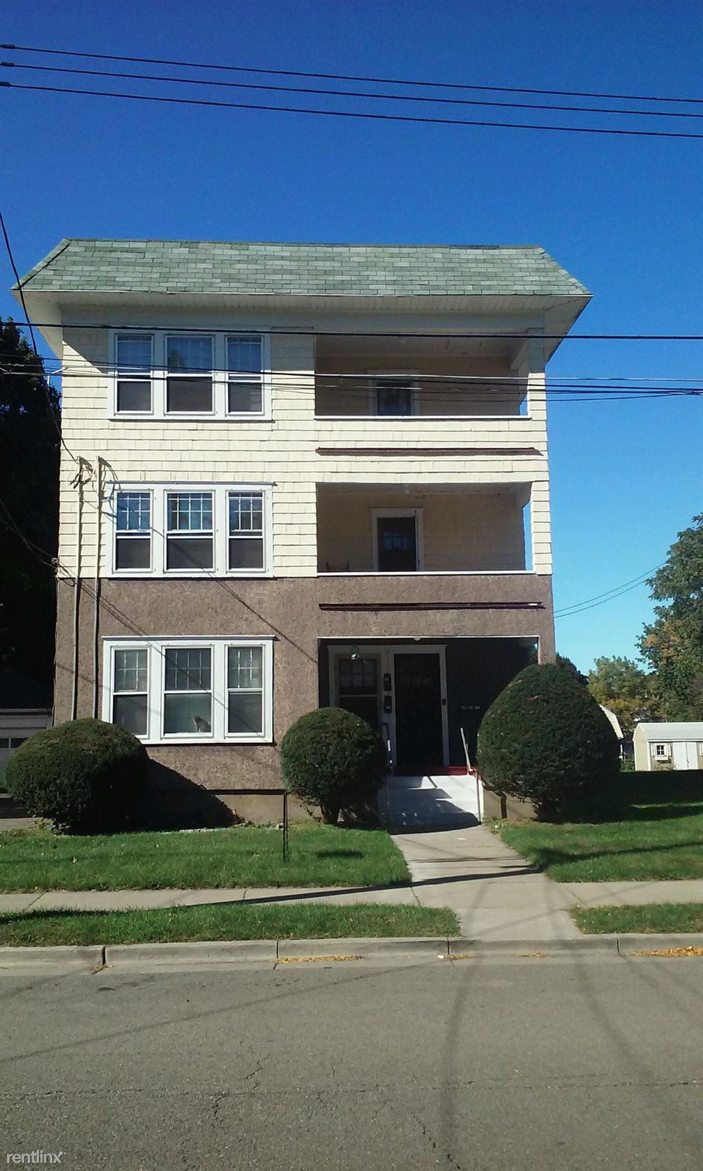 12 Margaret St, Johnson City, NY - 900 USD/ month