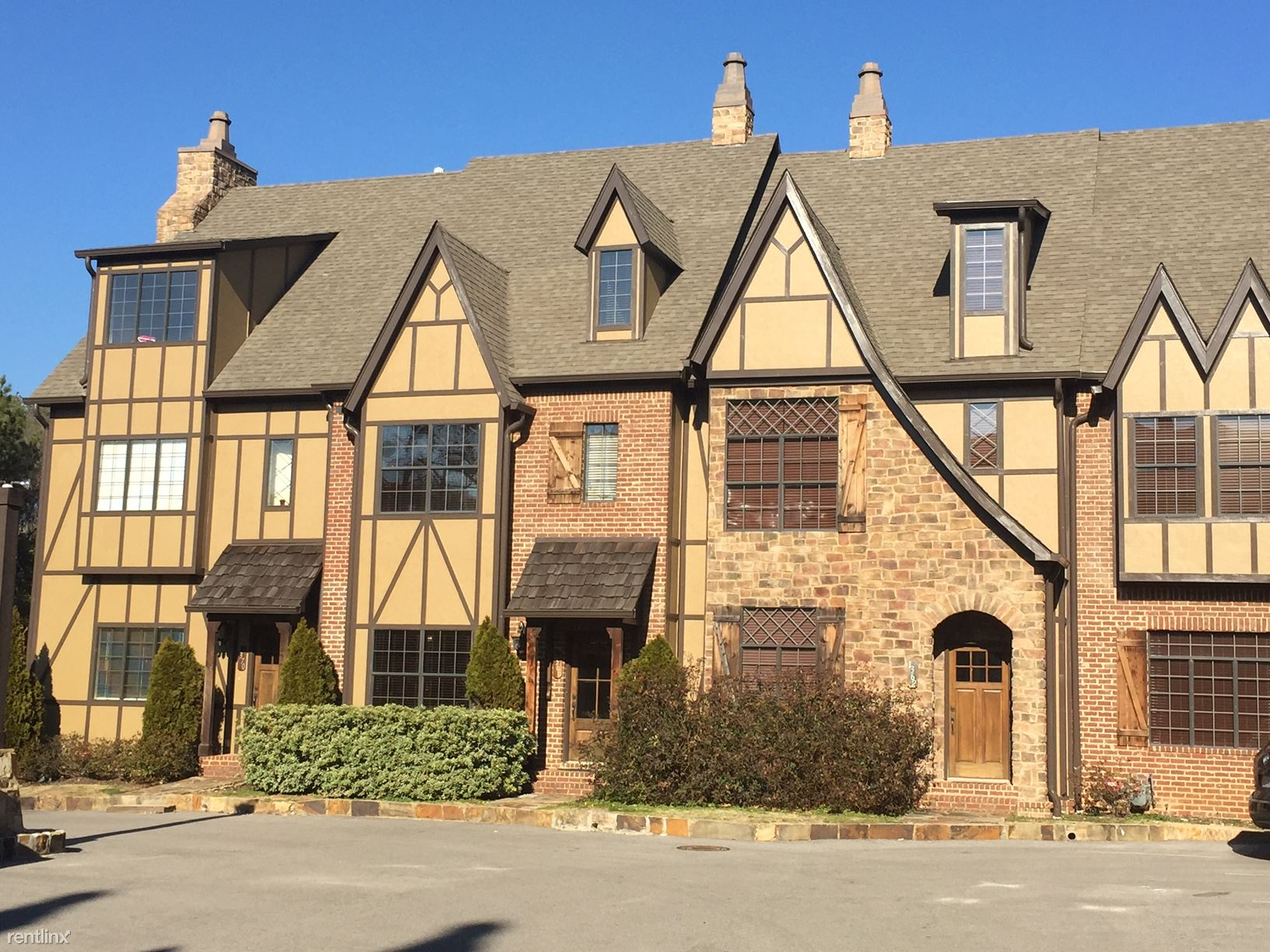 Townhouse for Rent in Homewood