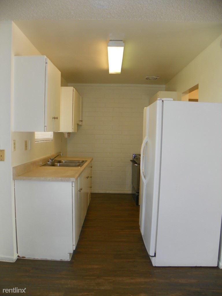 8030 E Garfield St, Scottsdale, AZ - 1,395 USD/ month