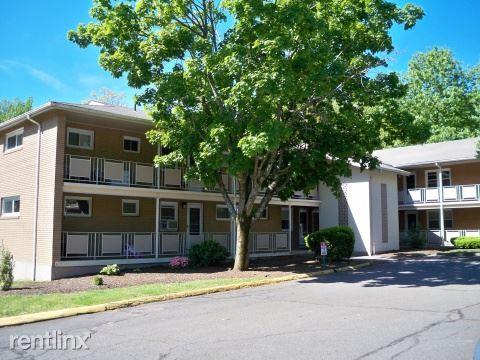 14 Highland Ave, Vernon, CT - $1,095