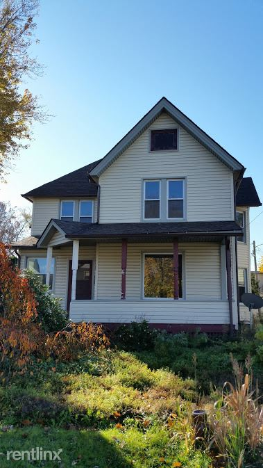 725 Robbins Ave - Open House Sunday, July 5th 1:00--2:00, Niles, OH - $1,100