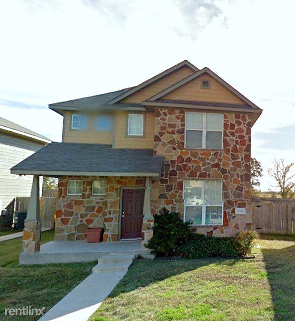 4126 McFarland Dr, College Station, TX - $440