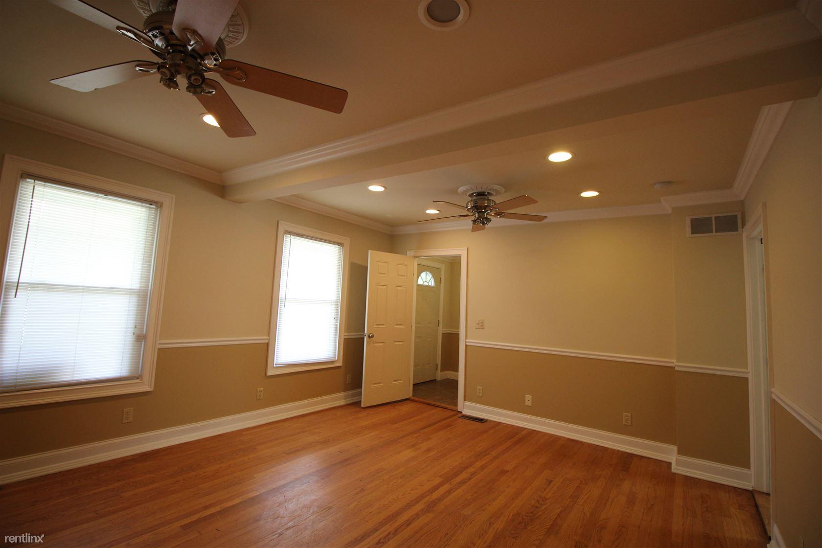703 Washtenaw Rd, Ypsilanti, MI - $2,994