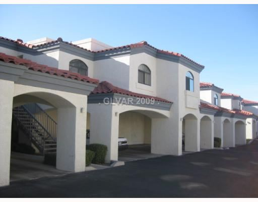 8455 W Sahara Ave Apt 105, Las Vegas, NV - $1,050 USD/ month
