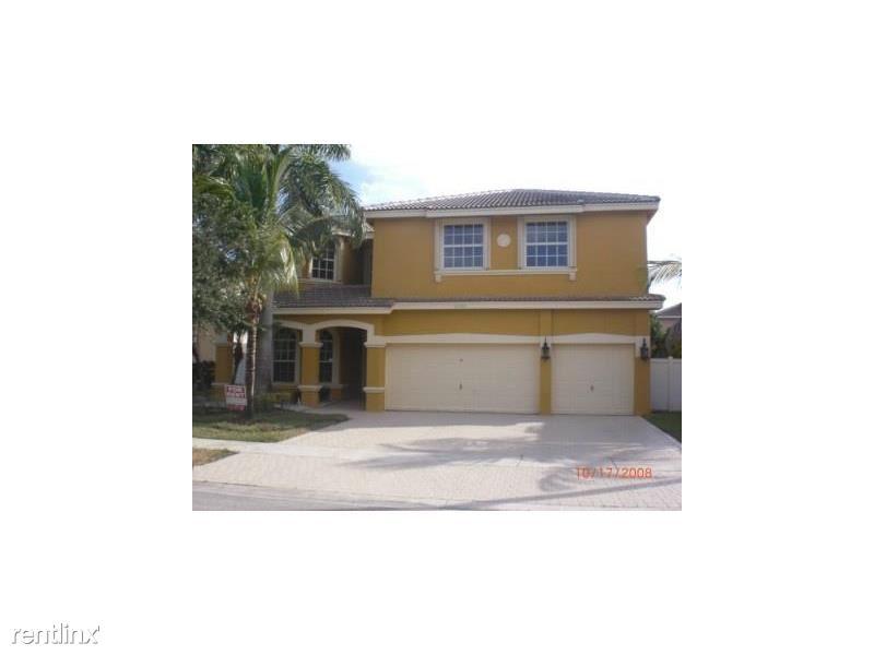 16368 SW 15th St, Pembroke Pines, FL - $3,500