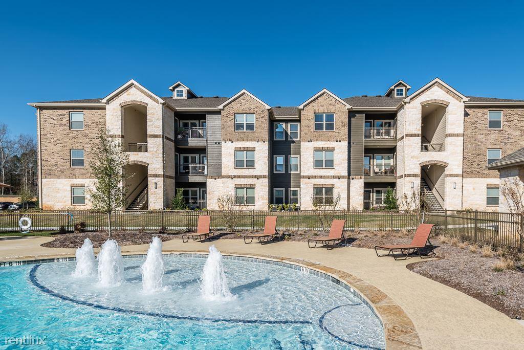 15650 Walden Rd, Montgomery, TX - 1,065 USD/ month