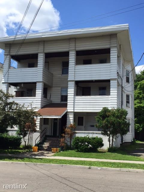 22 Lincoln Ave, Endicott, NY - 800 USD/ month
