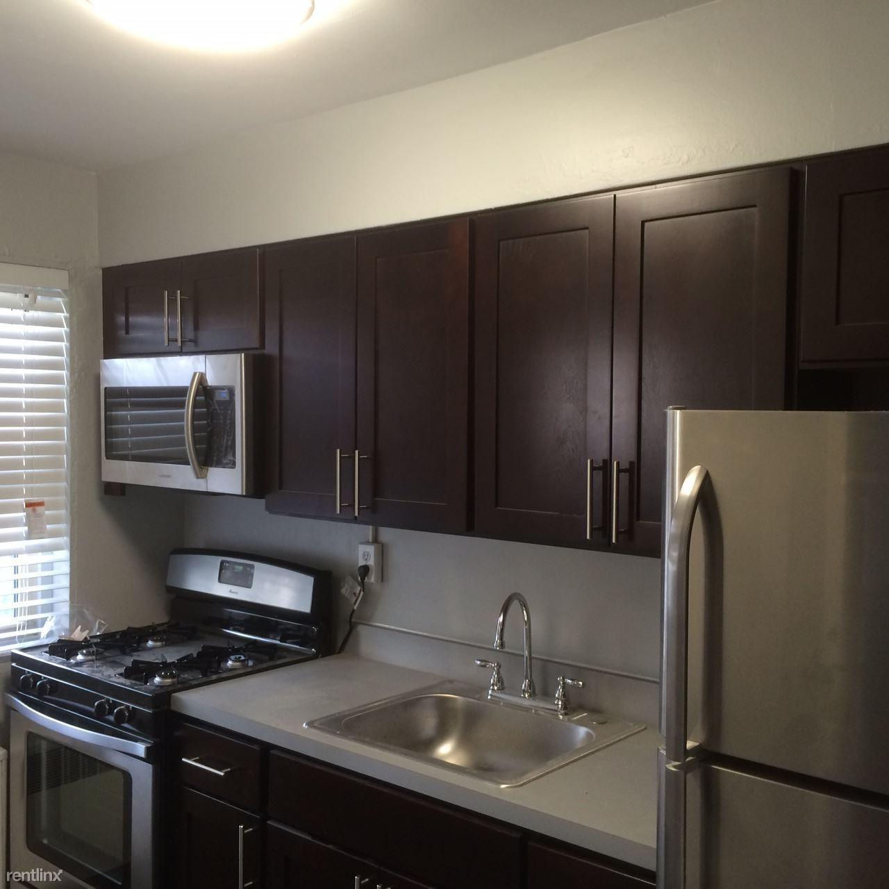7330 Germantown Ave - 1145USD / month