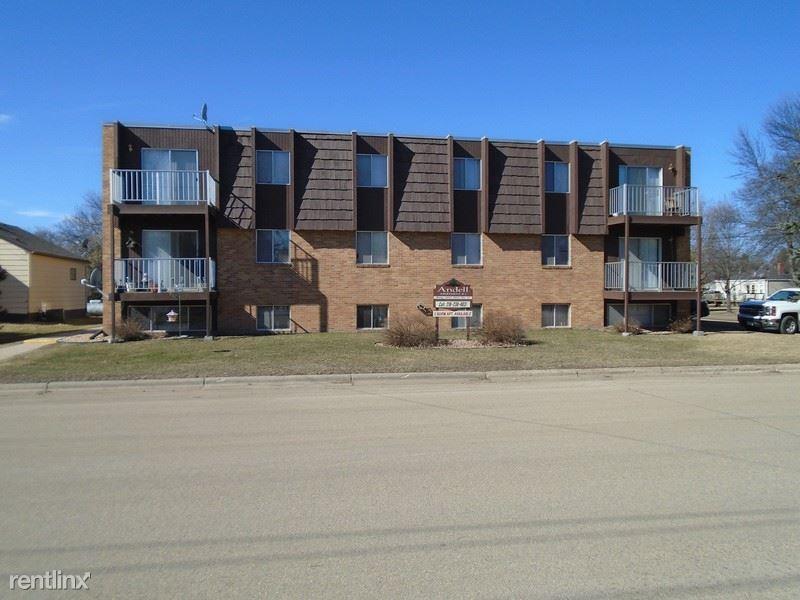 303 12th St N, Wheaton, MN - $490 USD/ month