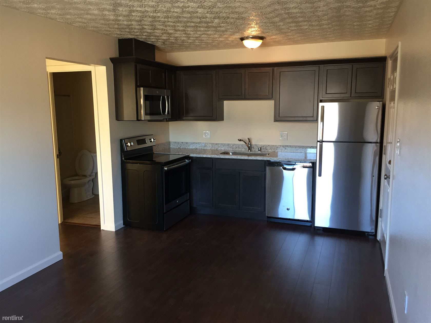 8301 E 3rd Ave - 1000USD / month