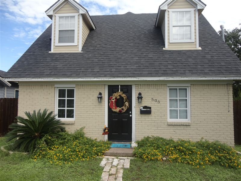 505 Ayrshire St, College Station, TX - $2,900 USD/ month
