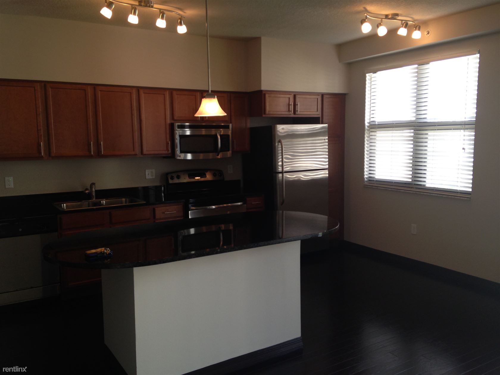 4th ave, Fort Lauderdale, FL - $1,700