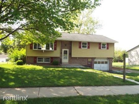 12 Briarcliff Rd, Elizabethtown, PA - $1,250