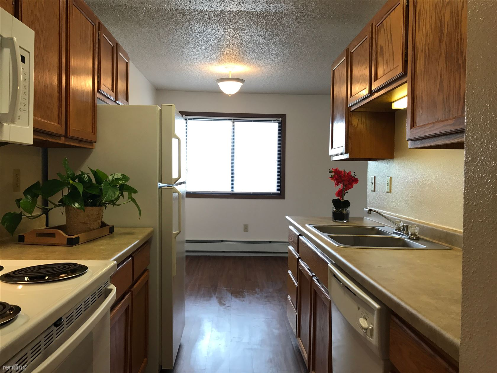 1409 14th Ave E, West Fargo, ND - $825