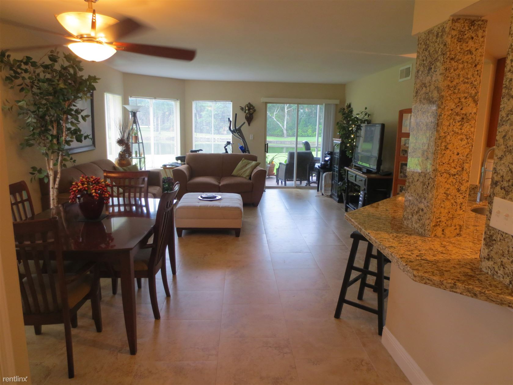 2460 NW 33rd St # 2101, Oakland Park, FL - $1,595