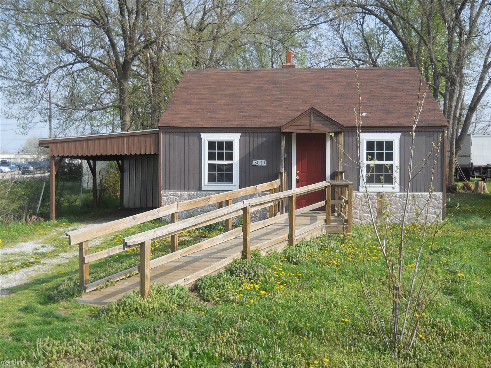 3041 W Water St, Springfield, MO - $395