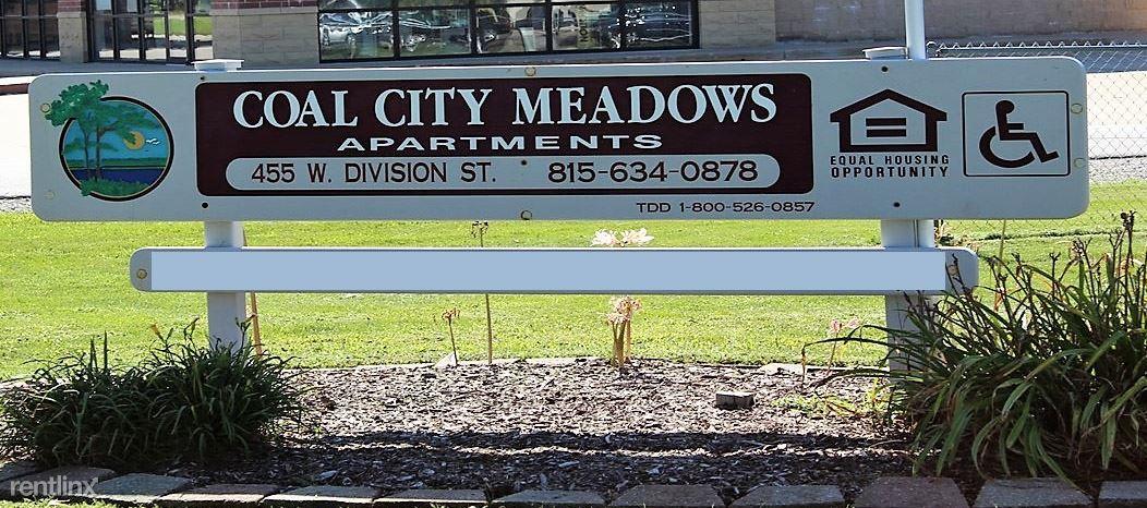 455 W Division St, Coal City, IL - $543