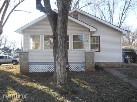 727 S Douglas Ave, Springfield, MO - $495