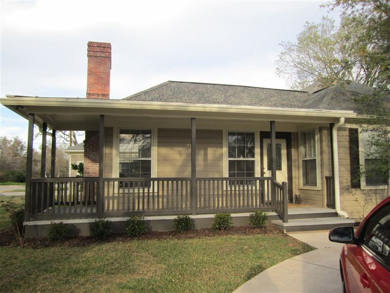 201 Pershing Ave, College Station, TX - $4,100 USD/ month