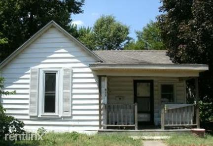 911 S Missouri Ave, Springfield, MO - $495