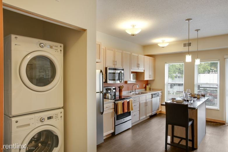 Excelsior Blvd & 11th Ave S, Hopkins, MN - $1,725