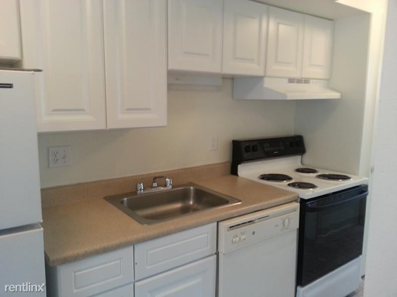 1436 South Irving Street - 925USD / month