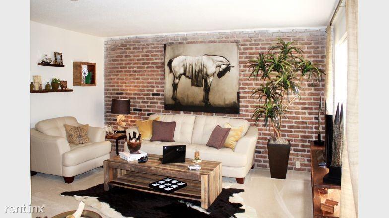 5815 Gulfton Street - 1680USD / month