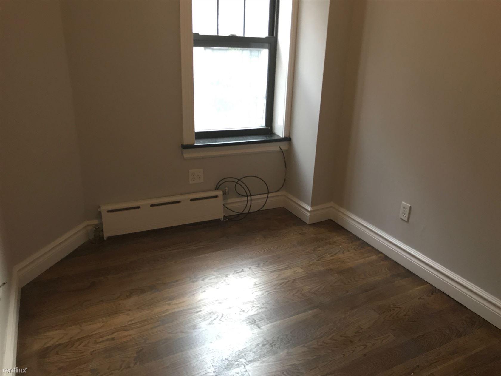 345 W 53rd St, New York, NY - $2,561