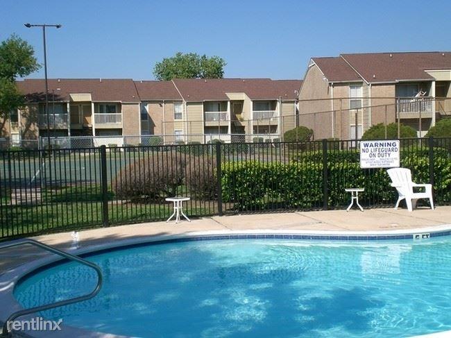 16001 Cotillion Drive, Houston, TX - 609 USD/ month