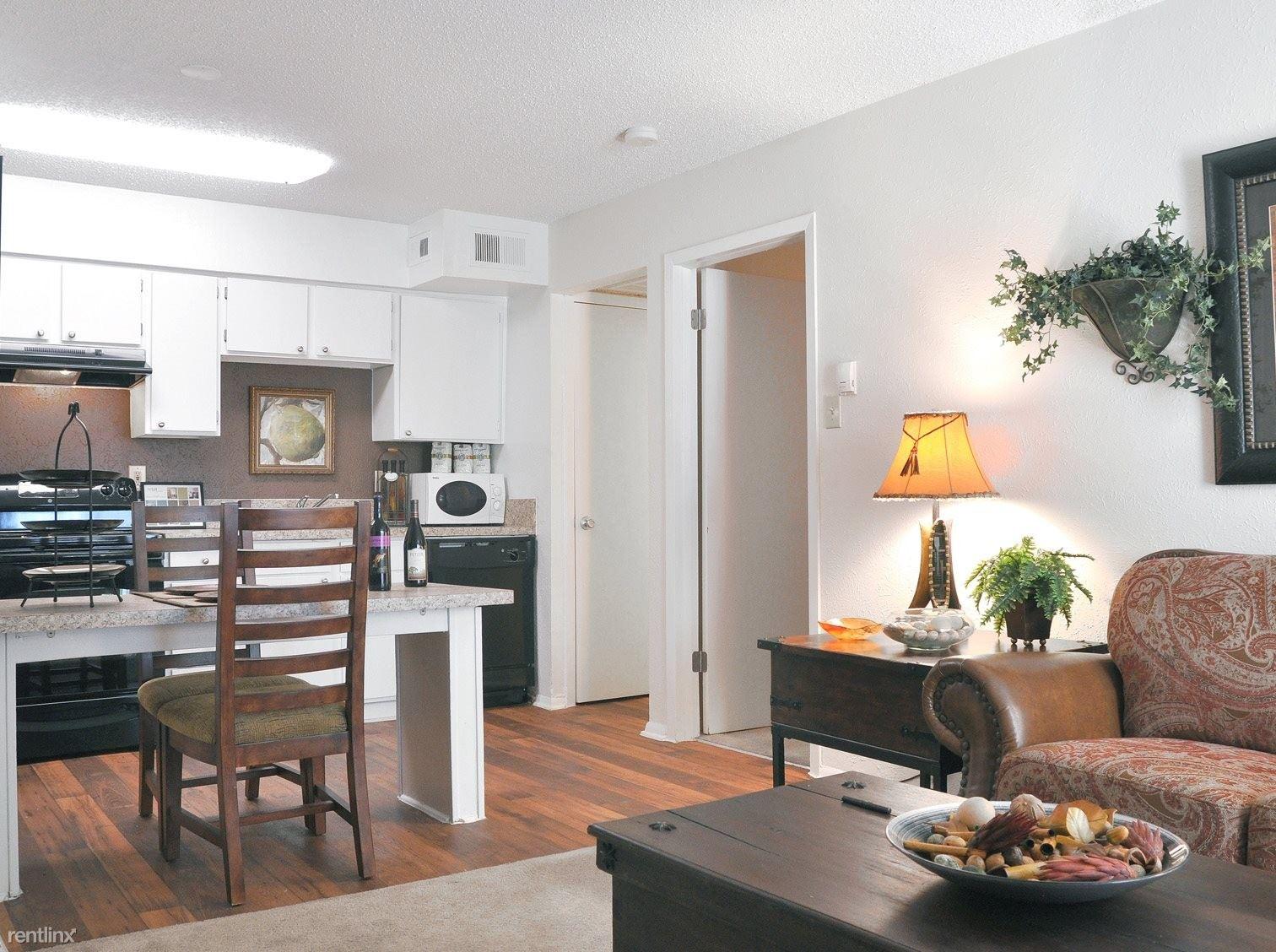 9670 Forest Lane, Dallas, TX - $770 USD/ month