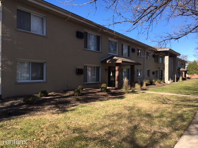 18531 Oakwood Ter, Lansing, IL - $1,000 USD/ month