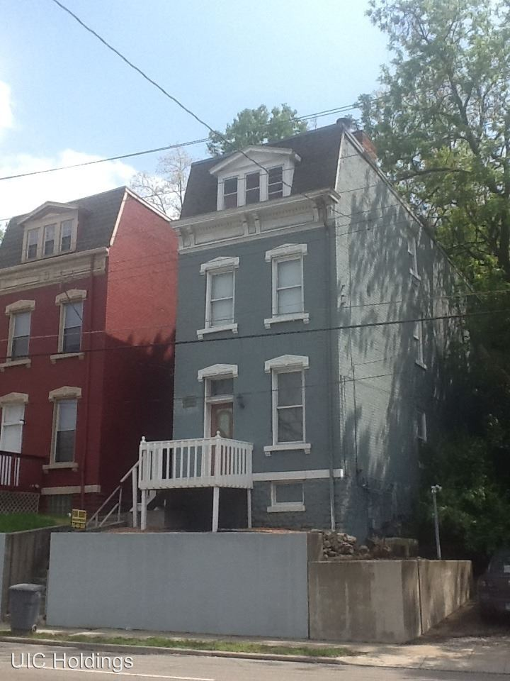 595 Martin Luther King West, Cincinnati, OH - $2,250