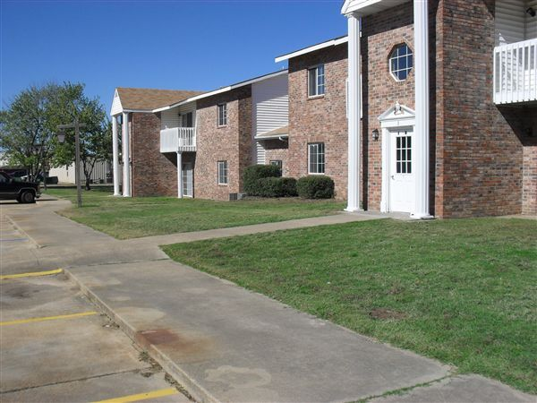 509 W Rutherford St, Mount Vernon, TX - 500 USD/ month