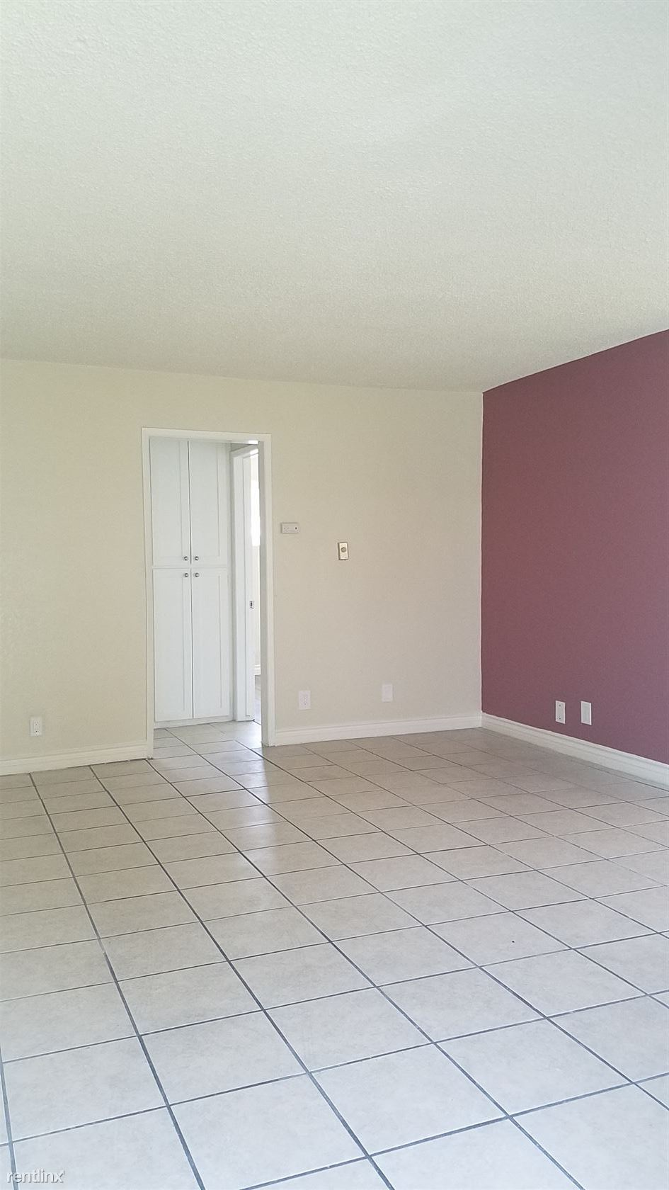 7500 Laurel Canyon Blvd, N Hollywood, CA - $1,500 USD/ month