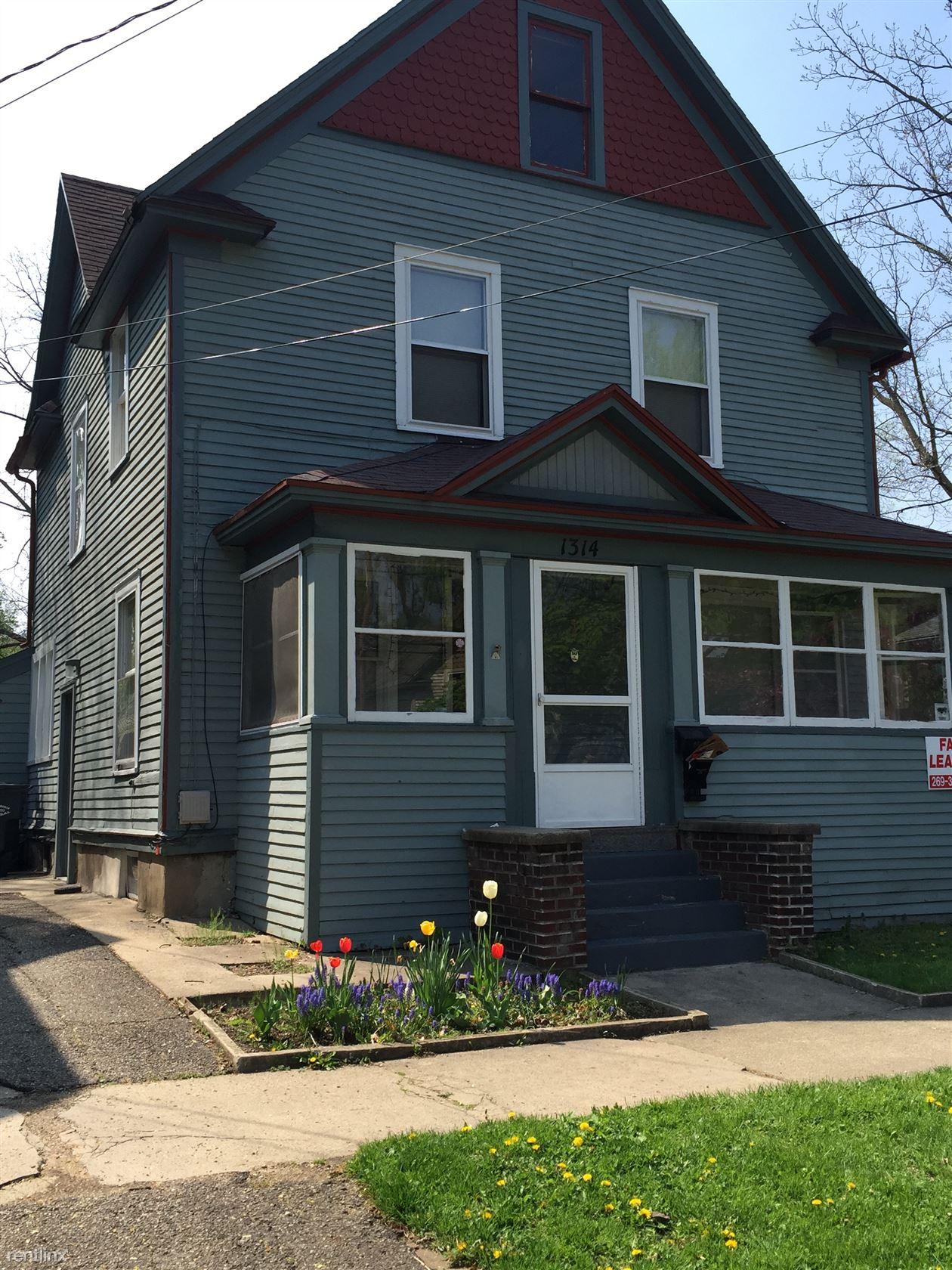 1314 Oak St, Kalamazoo, MI - $1,600