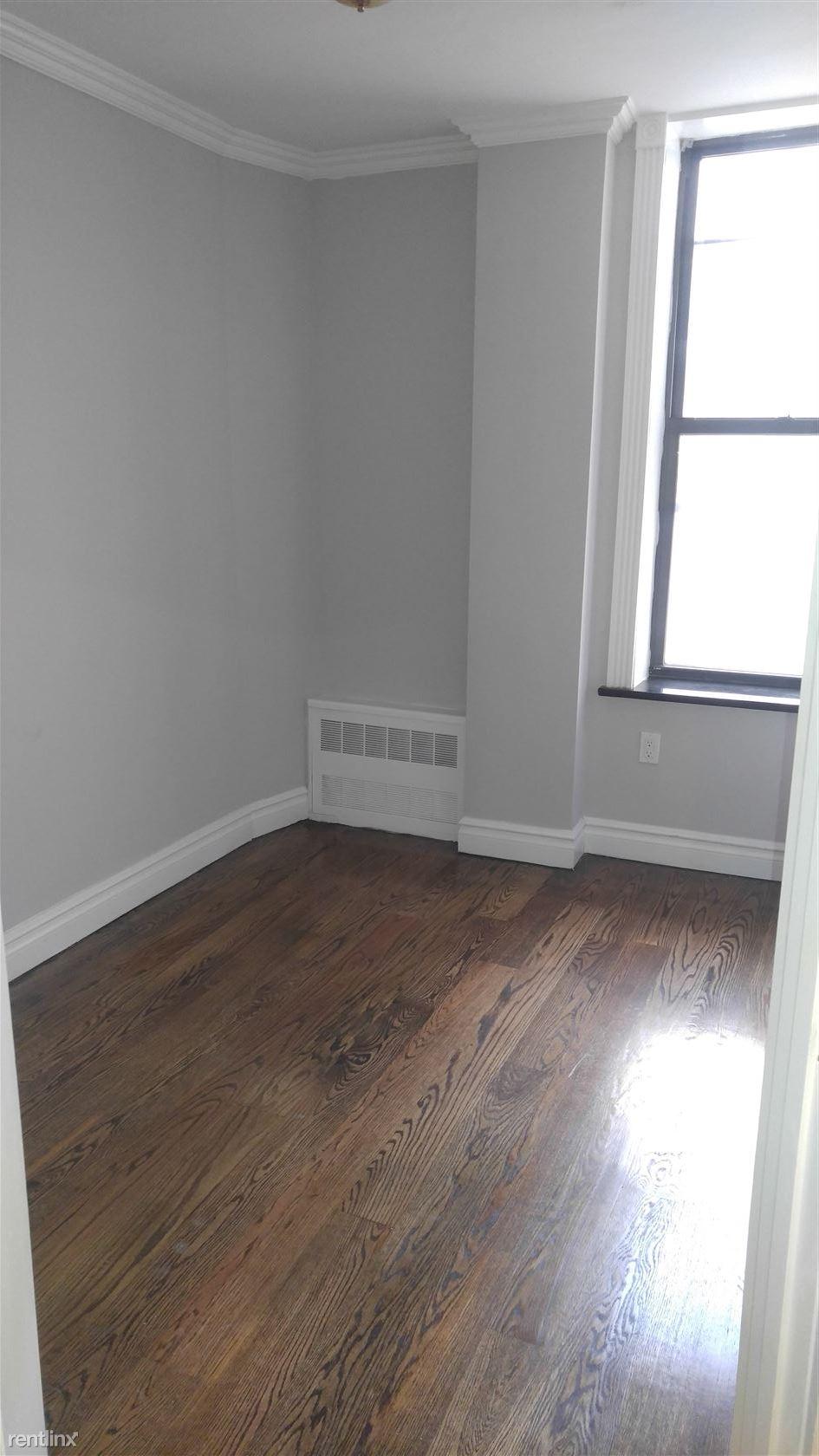 439 W 50th St, New York, NY - $4,395