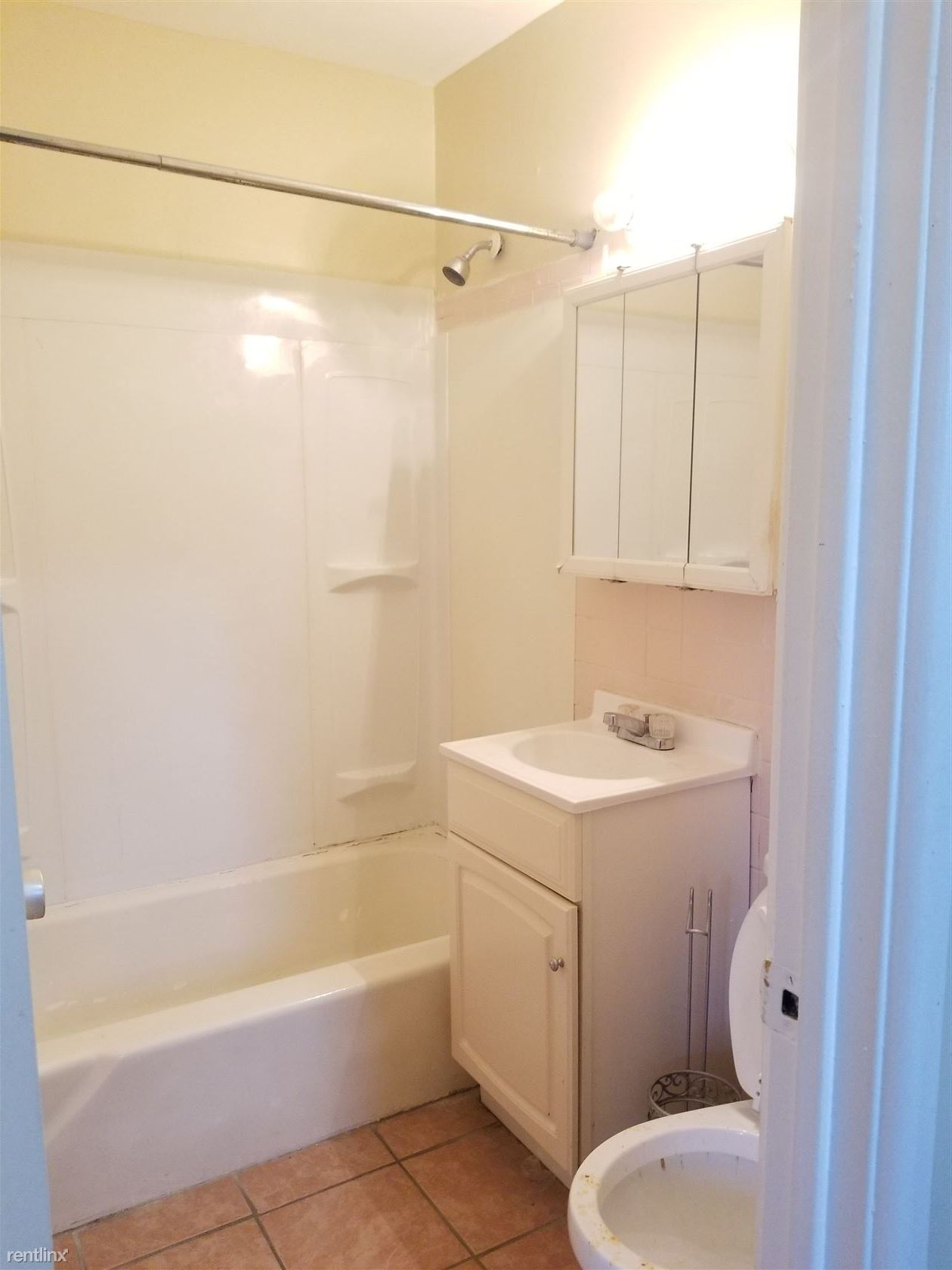 160 Fountain St, New Haven, CT - $800