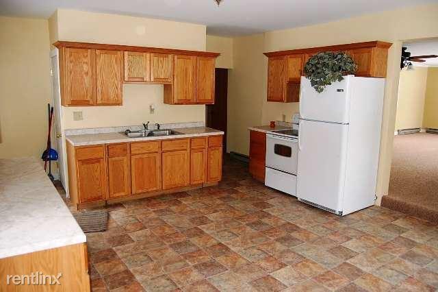 2537 E County Road B, Foxboro, WI - $1,125