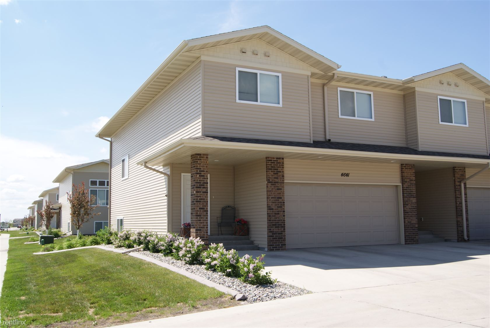 3408 7th St NE, Minot, ND - $1,595 USD/ month