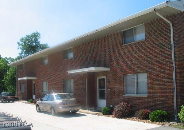 2127 N Center St, Maryville, IL - $685