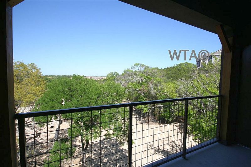 Bluff Springs and IH-35, Austin, TX - $1,549