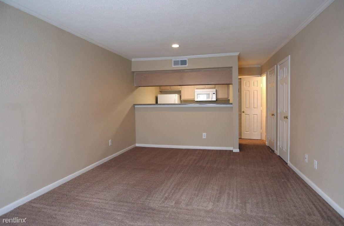 501 Greens Road, Houston, TX - $605 USD/ month